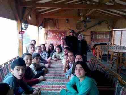Geyve Belediye Başkanı Murat Kaya Doğantepe Yibo Öğrencileri ile Ak parti kadın kollarının aşure etkinliğine katıldı..