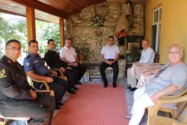 Bayram'da Şehit Aileleri Ziyaret Edildi
