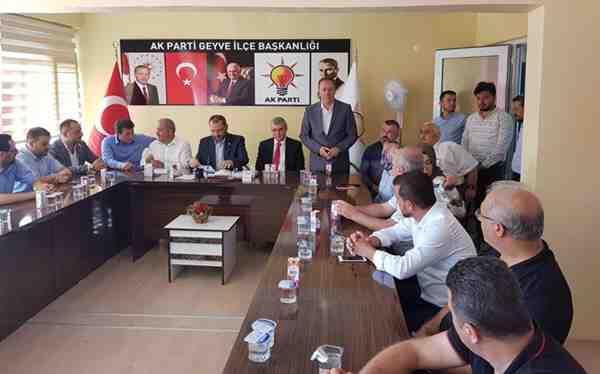 Milletvekili Uncuoğlu, Geyve'de Bayramlaştı