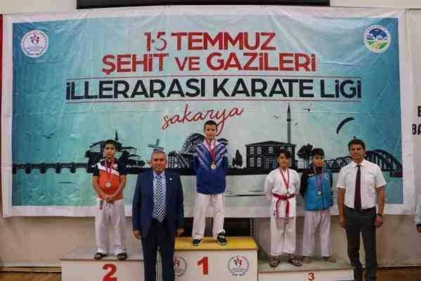 GEYVELİ Karateciler Hafta sonu 7 madalya kazandı..