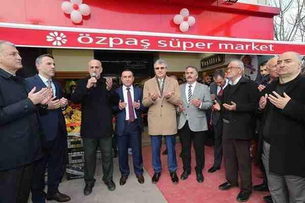 Geyveli Market Zinciri ÖZPAŞ'ın Arifiye Şubesi Açıldı