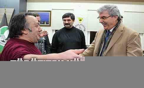 İsmail Türüt'ten Ekrem Yüce'ye türkülü destek