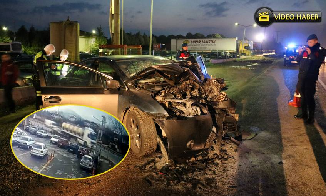 Otomobil Süt Tankerine Çarptı.. 2 Yaralı