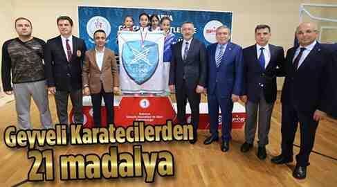 Geyveli Karateciler iyi yolda…21 Madalya..