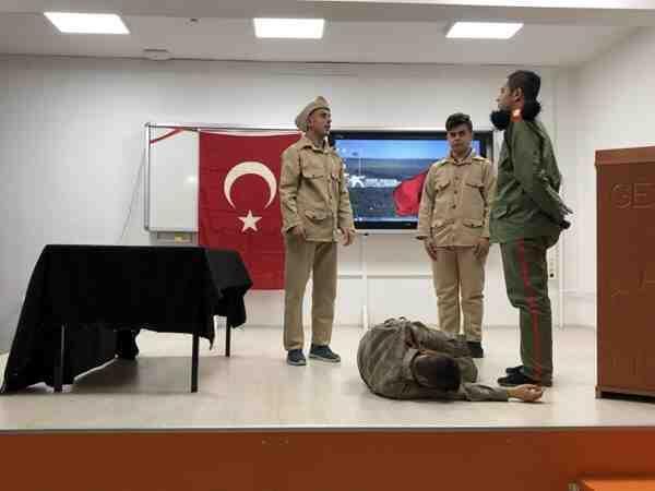 Anadolu Lisesi, Çanakkale Şehitlerini unutmadı.