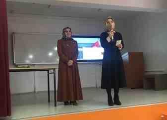 Öğrencilere Hak ve Adalet konferansı verildi
