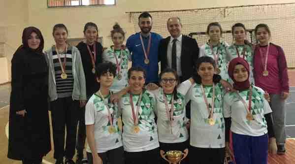 Şampiyon Kızlarımız Zonguldak'ta