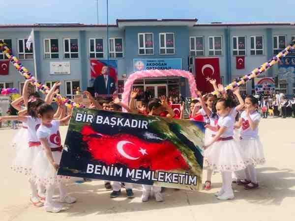 """Akdoğan'da 23 Nisan Coşkusu..""""VİDEO"""""""