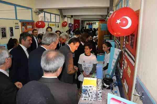 Kozan'da TÜBİTAK Bilim Fuarı