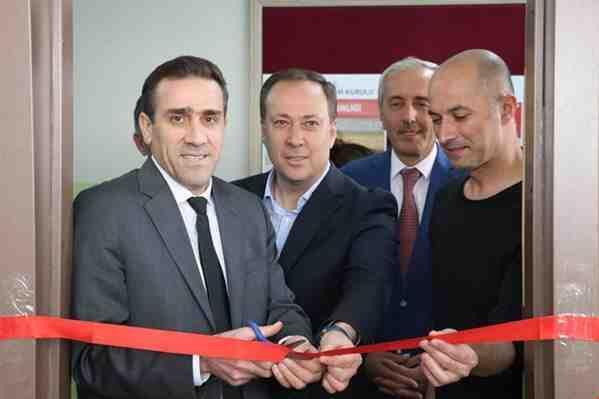 Anadolu Dağcılık Kulübünden Kütüphane..