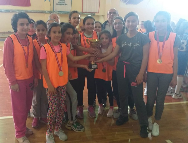 Geyve Atatürk Ortaokulu Sakarya Şampiyonu