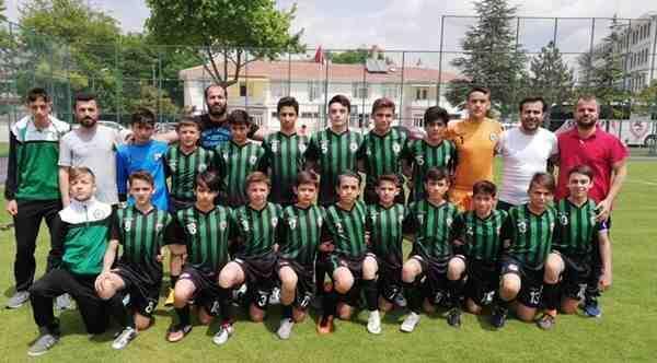 Sakarya Gençlik Merkezi Türkiye'de Son 4 Takım Arasında