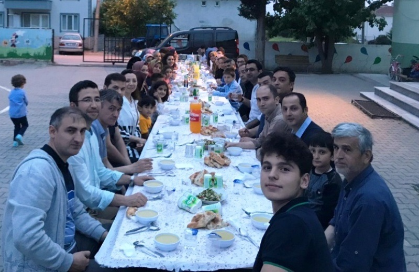 Ahmet Yesevi İlkokulunda iftar