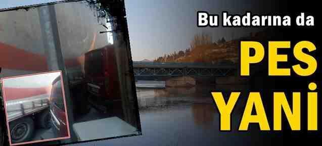 Tarihi Köprüye Girdi, Trafiği Birbirine Kattı