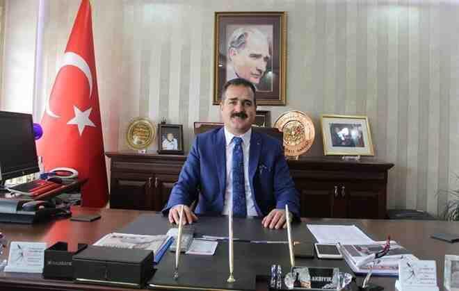 Hakkari Belediye Başkanlığı'na, İdris Akbıyık atandı!