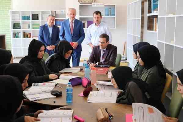 Kaymakam Memiş'ten Kız Anadolu İmam Hatip Lisesini Ziyaret